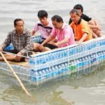 Creative Thai People During Floods